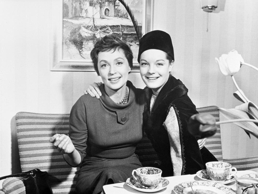 MADCHEN IN UNIFORM / Deutschl./Frankreich 1958 / Geza von Radvaanyi LILLI PALMER und ROMY SCHNEIDER in 'Madchen in Uniform', 1958. Regie: Geza von Radvanyi. Image shot 2008. Exact date unknown.